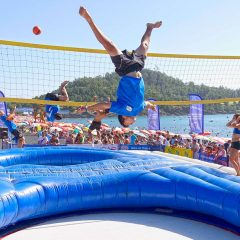 Du volley-ball sur trampoline, le bossaball